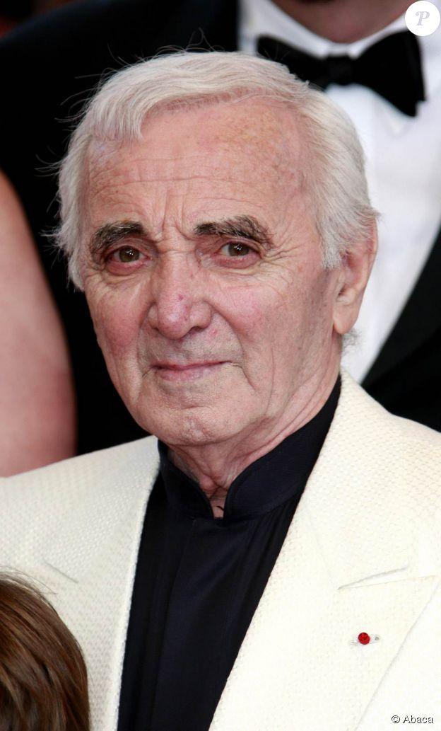 Charles Aznavour n'a pas tardé à répondre à ceux qui voudraient l'expédier à la retraite