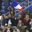 Leïla Kaddour-Boudadi, Vianney Bureau (Vianney) et sa compagne Catherine Robert, Nagui et sa femme Mélanie Page, Claude Deschamps - People dans les tribunes lors du match de football France- Andorre (3-0) pour les qualifications de l'Euro 2020 au Stade de France à Saint-Denis le 10 septembre 2019. © Gwendoline Le Goff/Panoramic/Bestimage