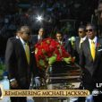 Le cercueil de Michael Jackson exposé au Staples Center