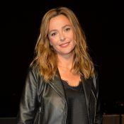 Sandrine Quétier en cuir face à Camille Lacourt pour une soirée automobile