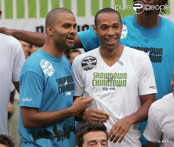 ¿Cuánto mide Tony Parker? - Real height 246996-thierry-henry-et-tony-parker-637x0-2