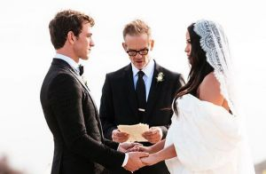 Cassie, enceinte, s'est mariée : union un mois après les fiançailles