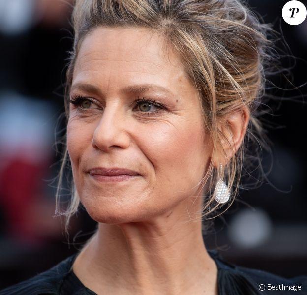 """Marina Foïs - Montée des marches du film """"Hors Normes"""" pour la clôture du 72e Festival International du Film de Cannes. Le 25 mai 2019."""