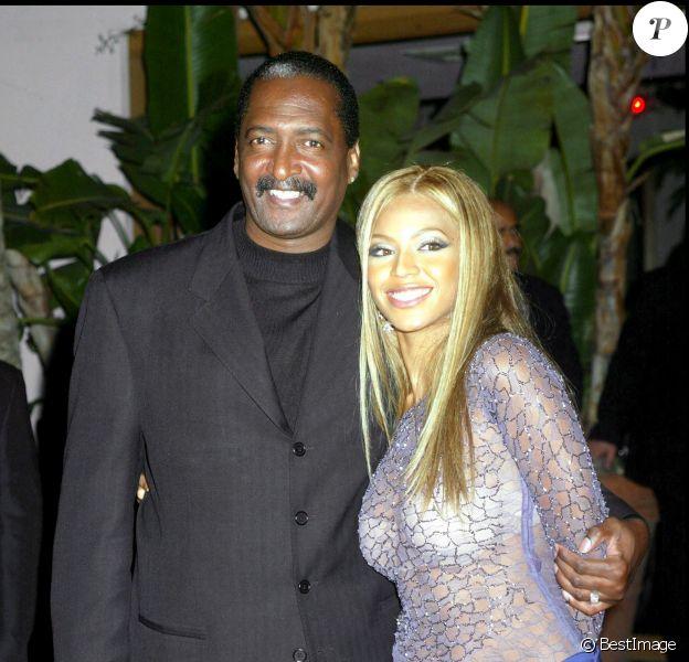 Beyoncé et son père Mathew à la soirée Sony Grammy Party, à Los Angeles, le 28 février 2002.