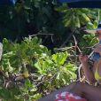 Britney Spears, en bikini jaune, se détend sur une plage de Honolulu, Hawaï, Etats-Unis, le 10 septembre 2019.