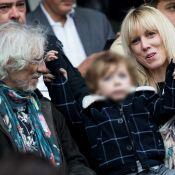 Louis Bertignac en famille au Parc des princes, avec Laetitia et leur petit Jack