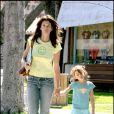 "Cindy Crawford en pleine ""smile attitude"" avec son adorable fille Kaia, à Malibu !"