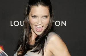 Adriana Lima : une femme enceinte... superbe ! (réactualisé)