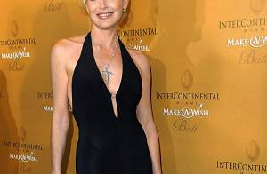 Tapis Rouge: Sharon Stone à Miami pour un gala de charité