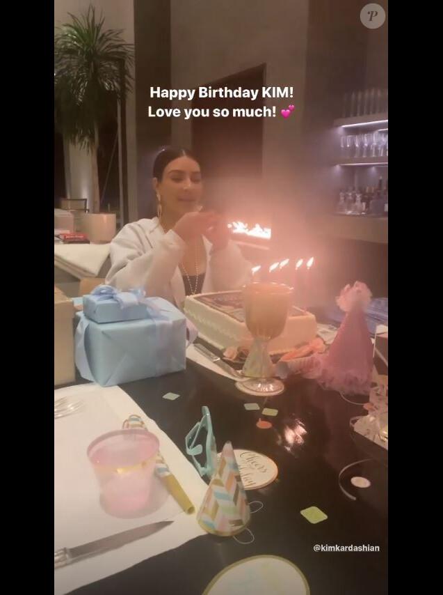 Kim Kardashian fête ses 39 ans à son domicile, à Hidden Hills, Los Angeles, le 21 octobre 2019.