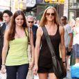 Kelly Lynch et sa fille retournent dans leur hôtel, le Mercer, à New-York le 15 juillet 2009