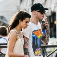 Margaret Qualley et son compagnon Pete Davidson se promènent dans les rues de Venise lors de la 76ème édition du festival du film de Venise, La Mostra, le 2 septembre 2019.
