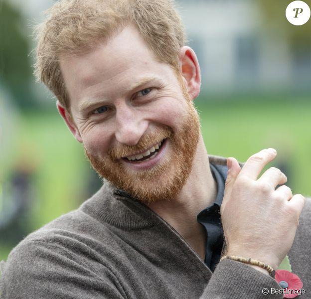 Le prince Harry, duc de Sussex, rencontre l'équipe représentant l'Angleterre aux Invictus Games 2019 à La Haye. Londres, le 29 octobre 2019.