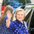 Chelsea Clinton sort de l'hôpital Lenox Hill à New York avec sa fille Charlotte, son compagnon M. Mezvinsky et sa mère Hillary Clinton. Le 25 juillet 2019