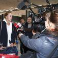 Kristina Mladenovic interviewe par journalistes - Arrivée à l'aéroport CDG de l'Équipe de France féminine victorieuse de la Fed Cup, Paris, le 12 novembre 2019. © Gwendoline le Goff / Panoramic / Bestimage