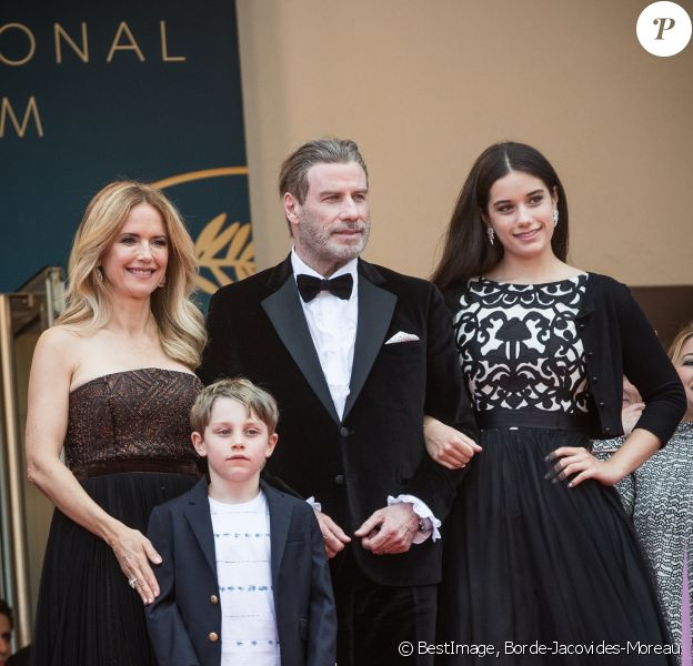 "John Travolta avec sa femme Kelly Preston et leurs enfants Benjamin Travolta et Ella Travolta - Montée des marches du film "" Solo : A Star Wars Story "" lors du 71ème Festival International du Film de Cannes. Le 15 mai 2018 © Borde-Jacovides-Moreau/Bestimage"