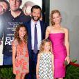 Judd Apatow, sa femme Leslie Mann, et leurs filles Iris et Maude, lors de l'avant-première de  Funny People , à l'ArcLight Theatre d'Hollywood, à Los Angeles, le 20 juillet 2009 !
