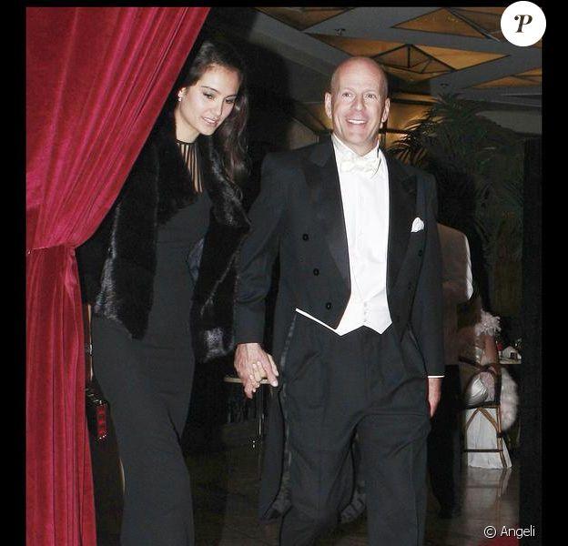 Bruce Willis et sa femme Emma Heming aux 18 ans de Scout LaRue, au restaurant Cicada, à Los Angeles. 17/07/09