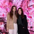 Exclusif -Taylor Hill et la maquilleuse Lisa Eldridge assistent à l'inauguration de la boutique Lancôme au 52, Avenue des Champs-Elysées à Paris le 4 décembre 2019. © Rachid Bellak/Bestimage