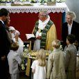 Marie et Joachim de Danemark, lors du baptême de leur premier enfant, le prince Henrik (né le 4 mai 2009), à l'église de Mogeltonder où ils se sont mariés en 2008