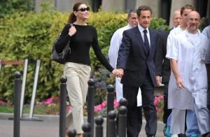 Nicolas Sarkozy vient de quitter le Val-de-Grâce main dans la main avec Carla... Regardez !