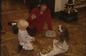 Michael Jackson : découvrez-le avec les adorables Prince Michael et Paris au temps du bonheur ! Regardez !