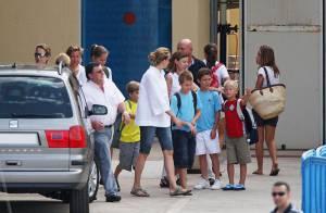 Cristina et Elena d'Espagne en vacances avec leurs enfants... c'est tout une colo qui débarque !