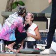 La chanteuse Dua Lipa et son compagnon Anwar Hadid passent les fêtent de fin d'année au Bord d'une piscine à Miami le 30 décembre 2019.
