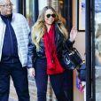 Exclusif - Mariah Carey et son compagnon Bryan Tanaka sont allés faire des courses de dernières minutes avant d'aller réveillonner dans le restaurant 'French Alpine Bistro' à Aspen dans le Colorado, le 24 décembre 2019.
