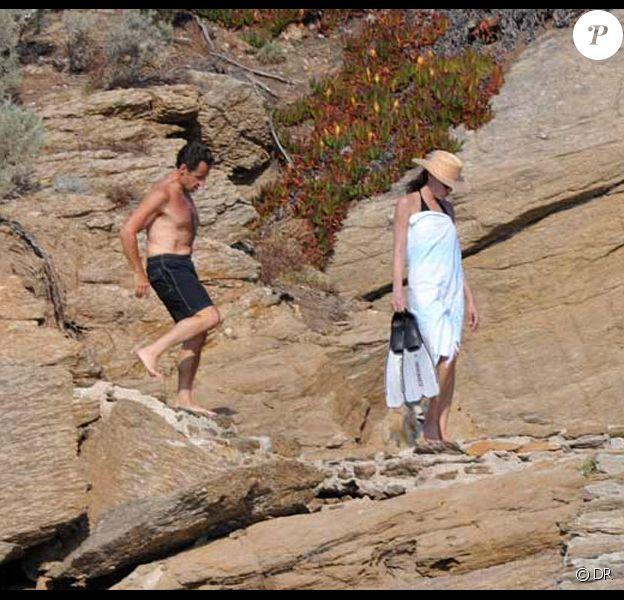 Nicolas et Carla Sarkozy ont pris leur premier bain au Cap Nègre, le 31 juillet 2009
