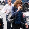 """Exclusif - Carla Bruni-Sarkozy et son mari l'ancien Président Nicolas Sarkozy quittent un hôtel de New York le 14 juin 2017. Carla Bruni-Sarkozy a chanté la veille, le 13 juin 2017 des extraits de son nouvel album """" French Touch """" dans le club de jazz """" Le Poisson rouge """" dans le quartier de Greenwich."""
