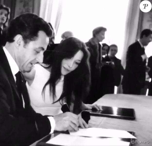 """Unique photo capturée lors du mariage de Nicolas Sarkozy et Carla Bruni, le 2 février 2008 à l'Élysée. Elle est diffusée pour la première fois lors du documentaire de France 5, """"Élysée : neuf femmes aux marches du palais"""", le dimanche 12 janvier 2020."""