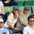 Hervé Mathoux et sa femme Maryline Olivié - People dans les tribunes lors du Tournoi de Roland-Garros (les Internationaux de France de tennis) à Paris, le 27 mai 2016. © Cyril Moreau/Bestimage