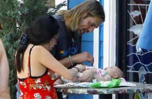 Josh Holloway : l'aventurier sexy de Lost est un papa charmant et... sous le charme de son bébé !