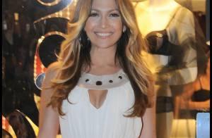 Jennifer Lopez est toujours aussi fière aussi de ses courbes.. et de son célèbre postérieur ! La preuve !