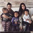 Kourtney Kardashian, son fils Reign, Saint, Chicago West et Kim Kardashian, Penelope et son arrière-grand-mère Mary Jo.