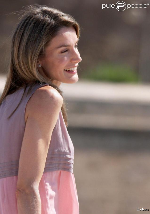 princess letizia of spain bio. Princess Letizia last week in