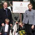 Le Prince Albert II et la princesse Charlène de Monaco avec leurs enfants le prince Jacques de Monaco et la princesse Gabriella de Monaco assistent à l'inauguration du One Monte-Carlo © Cyril Dodergny / Nice Matin / Bestimage