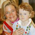 Delphine Boël avec sa fille Josephine en 2006 à une exposition à Ostende, en Belgique. © Peter Maenhoudt/Reporters/ABACAPRESS.COM