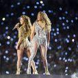 Shakira et Jennifer Lopez en concert (sponsorisé par Pepsi) à la mi-temps du Super Bowl LIV (54), au Hard Rock Stadium. Miami, le 2 février 2020.