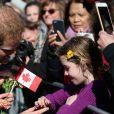 Le prince Harry signe des autographes et fait des selfies à son arrivée au bureau du Lieutenant Gouverneur à Toronto, où il est attendu pour une réception avec les organisateurs et les supporters des Invictus Games 2017. Le 2 mai 2016