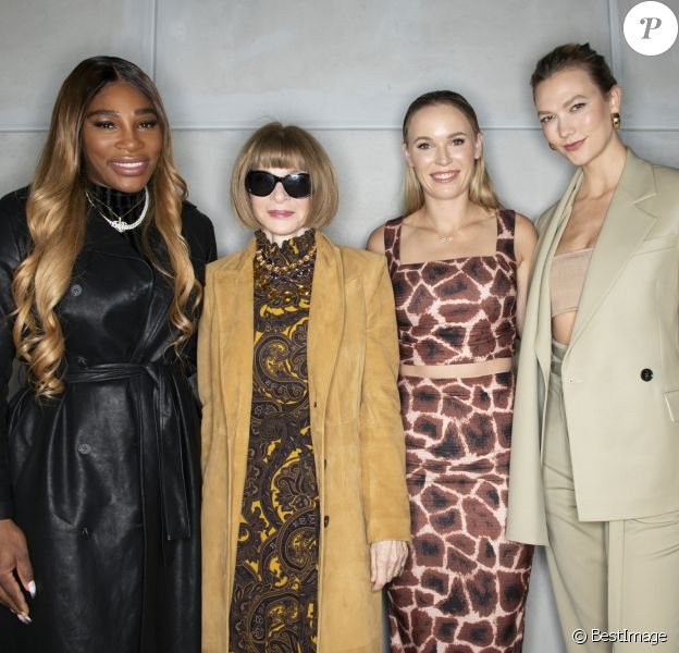 "Serena Williams, Anna Wintour, Caroline Wozniacki et Karlie Kloss assistent à la présentation de la nouvelle collection de ""S by Serena"" à New York. Le 12 février 2020."