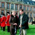 David Linley et son épouse Serena Stanhope au château de Dampierre en 1994.