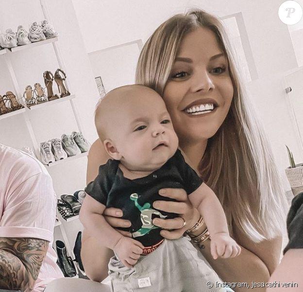 Jessica Thivenin pose sur Instagram avec son mari Thibault Garcia et leur fils Maylone - 12 janvier 2020