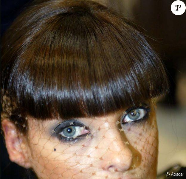 Linda Evangelista est la reine de la coloration ! Selon les rumeurs, elle aurait même changé de couleur 17 fois en 4 ans ! Et elle a raison, tout lui va !