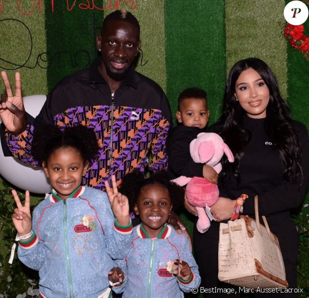 Exclusif - Mamadou Sakho avec sa femme Majda et leurs enfants, Aïda, Sienna et Tidane au premier goûter des étoiles au profit de l'association AMSAK à l'Orangerie au Jardin d'acclimatation à Paris, France, le 1er mars 2020. © Marc Ausset-Lacroix/Bestimage