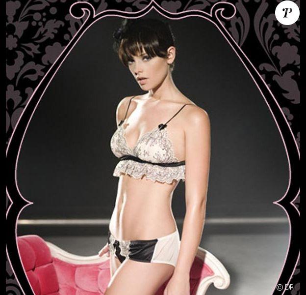 La superbe Ashley Greene, pour la lingerie Sweet Christmas... c'est Noël avant l'heure !