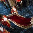 Info du 21 mars 2020 - Un employé de Buckingham Palace testé positif au Coronavirus alors que la reine était toujours à Londres La reine Elisabeth II d'Angleterre et le prince Philip, duc d'Edimbourg - La famille royale d'Angleterre assiste à l'ouverture du parlement au palais de Westminster à Londres. Le 4 juin 2014