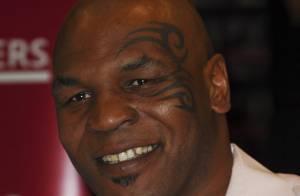 Mike Tyson a retrouvé un début de sourire... regardez !