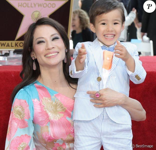 Lucy Liu et son fils Rockwell Lloyd - Lucy Liu reçoit son étoile sur le Walk Of Fame dans le quartier de Hollywood à Los Angeles. Le 1er mai 2019.